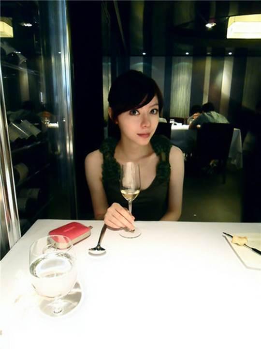 【外人】貧乳おっぱい顔の台湾出身タレント韓雨恩(ハンユン)のエロ可愛いポルノ画像 8163