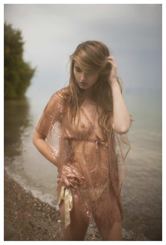 【外人】北欧の女神のような美女たちが芸術的に撮影されるポルノ画像 8176
