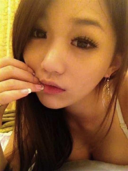 【外人】台湾美少女がカーセックスのハメ撮りネット公開してるポルノ画像 8252