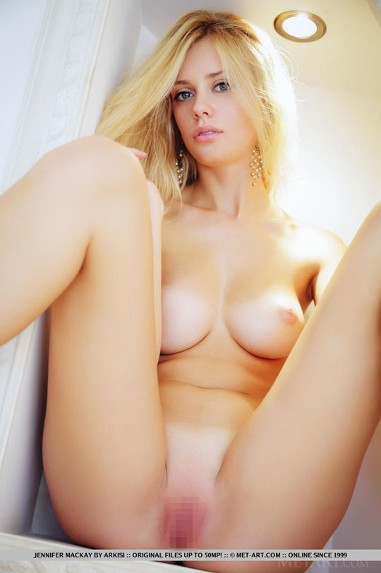 【外人】ウクライナ超絶美女のジェニファー·マッケイ(Jennifer Mackay)が美巨乳晒すポルノ画像 84
