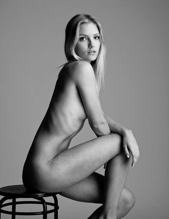 【外人】モノクロ写真が芸術的な美しさを演出するヌード美女のポルノ画像 855