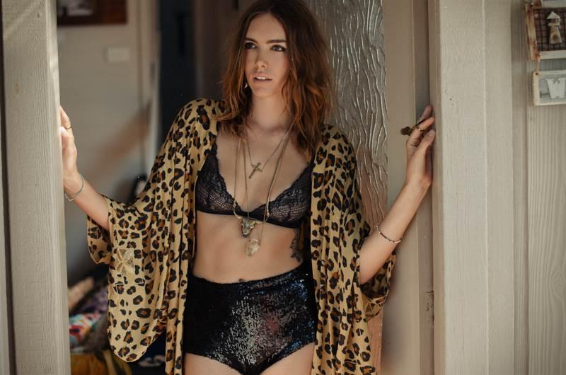 【外人】UK出身整いすぎた顔立ちの美女ジョージア·フロスト(Georgia Frost)の全裸ポルノ画像 890