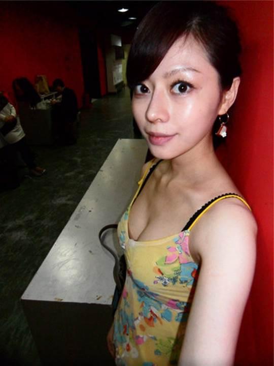 【外人】貧乳おっぱい顔の台湾出身タレント韓雨恩(ハンユン)のエロ可愛いポルノ画像 9159