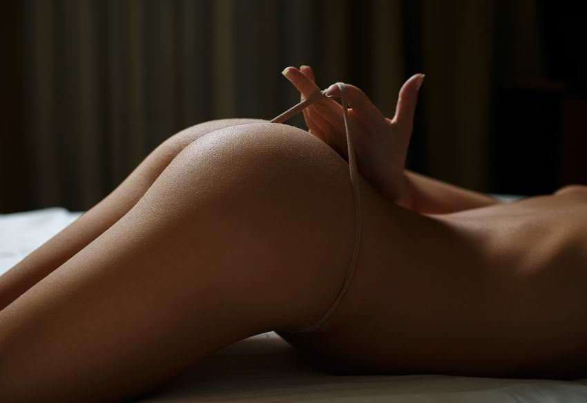 【外人】ボンキュッボンのメリハリあるお尻をパンパン叩いて犯したくなるポルノ画像 953