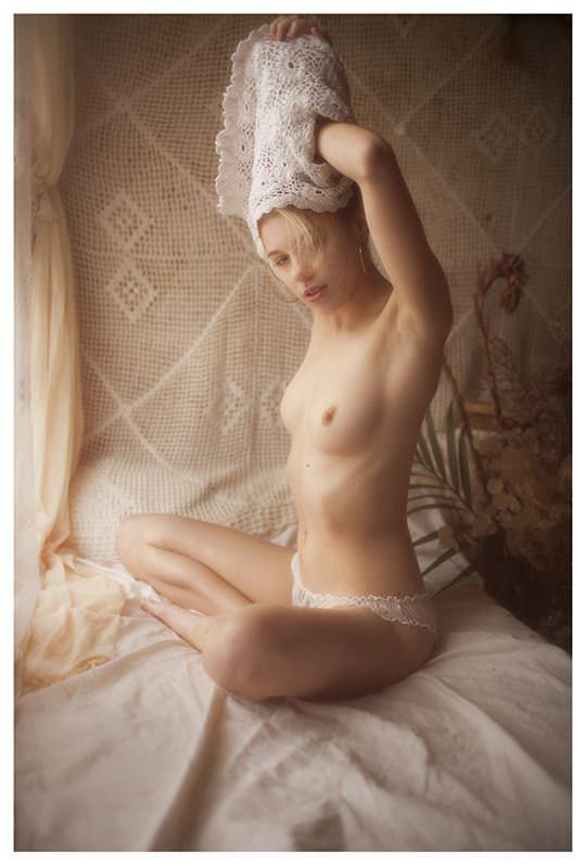 【外人】欧州の美少女たちが完全に天使なセミヌードポルノ画像 969