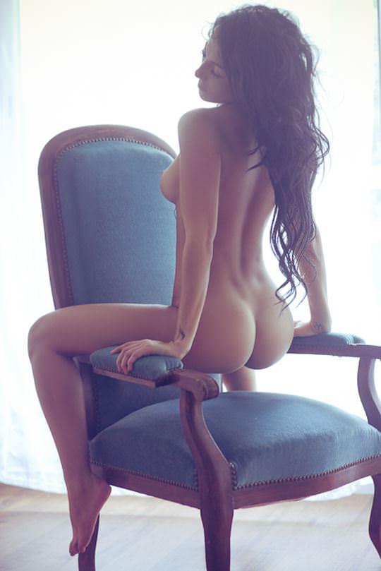 【外人】無名ファッションモデルが美乳おっぱいを晒してるポルノ画像 980