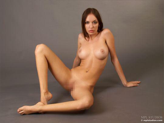 【外人】体の曲線がパーフェクトのウクライナ出身モデルのカティア(Katia)のヌードポルノ画像 999