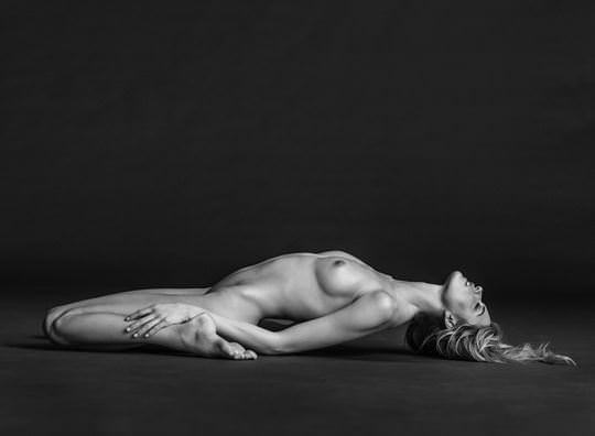 【外人】ラッセル・ジェームス(Russell James)が撮るセレブたちの美しいヌードのポルノ画像 11