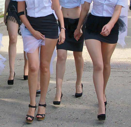 【外人】ロシア西部の警察がミニスカポリスのコスプレ婦警になってエロ過ぎるポルノ画像 181