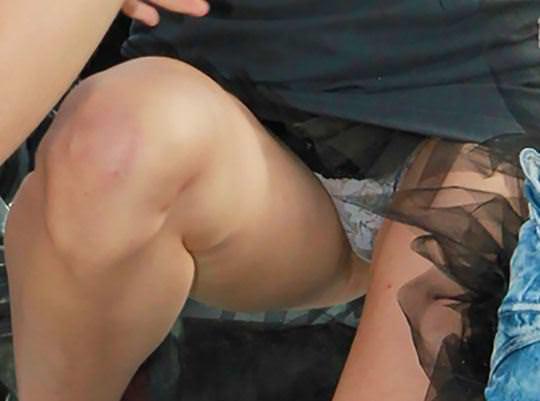【外人】ロシア西部の警察がミニスカポリスのコスプレ婦警になってエロ過ぎるポルノ画像 30