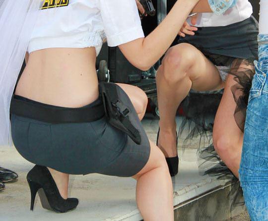【外人】ロシア西部の警察がミニスカポリスのコスプレ婦警になってエロ過ぎるポルノ画像 311