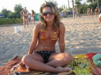 【外人】ロシア人の貧乳おっぱい美少女がクリミア半島旅行中に撮影したフルヌードポルノ画像