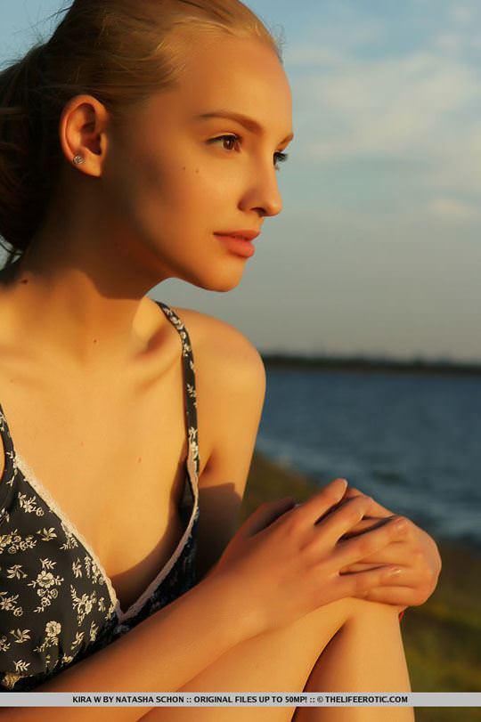 【外人】人気のウクライナ美女のキラ(Kira W)の美しい芸術的なヌードポルノ画像 1037