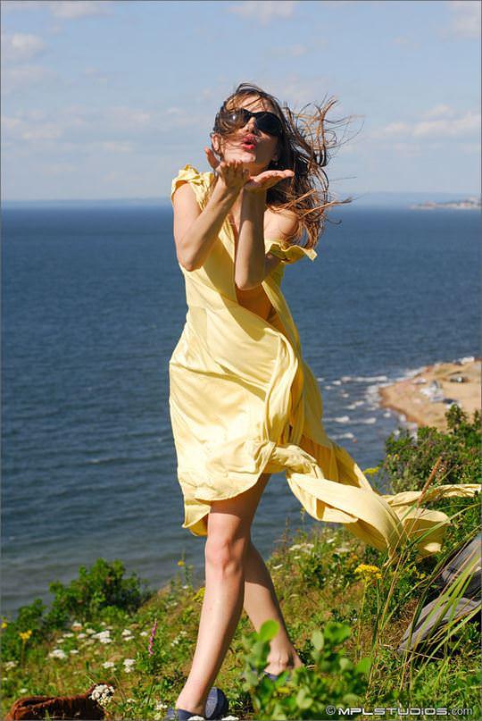 【外人】ロシアン美女のアーニャ(Anya)が可愛すぎて仕方がないシコシコヌードのポルノ画像 11107