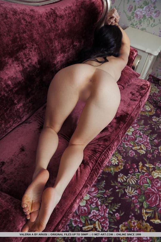 【外人】ウクライナの森から生まれたヴァレリア(Valeria A)美乳乳首とパイパンの色気が美しいポルノ画像 11116