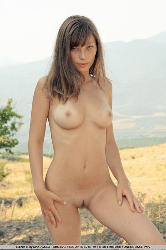 【外人】ウクライナ出身エレナ(Elena B)がめっちゃ可愛くて素晴らしい巨乳おっぱいをしてる露出ポルノ画像 1200