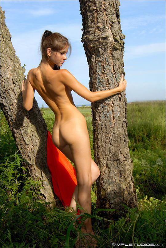 【外人】ロシアン美女のアーニャ(Anya)が可愛すぎて仕方がないシコシコヌードのポルノ画像 1207
