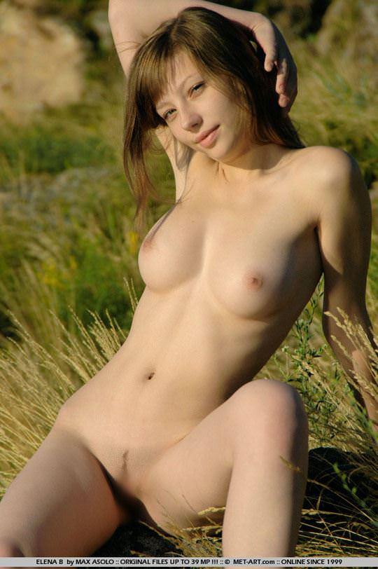 【外人】ウクライナ出身エレナ(Elena B)がめっちゃ可愛くて素晴らしい巨乳おっぱいをしてる露出ポルノ画像 1255