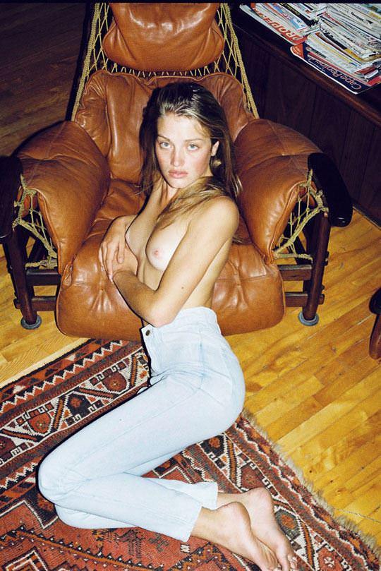 【外人】自分の魅力を引き出すためにヌードで頑張る無名ファッションモデルのポルノ画像 1272