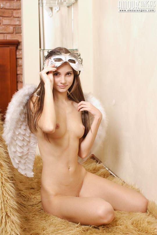 【外人】可憐な19歳ロシアン美少女イリナ(Irina)のスレンダーで可愛いAカップおっぱいが魅力的なポルノ画像 1349