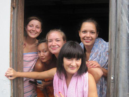 【外人】ロシア人の仲良し素人女子大生5人がサウナでパイパン記念撮影ポルノ画像 1373