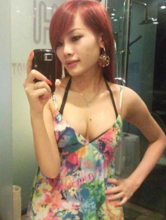【外人】風俗サウナ店で働く中国人の巨乳素人少女の自撮りおっぱいが激エロなポルノ画像 1376