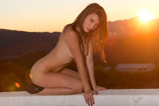 【外人】ゴージャスな顔立ちのアメリカン美女モデルのマレーナ·モーガン(Malena Morgan)がアナルレズプレイのポルノ画像 1434