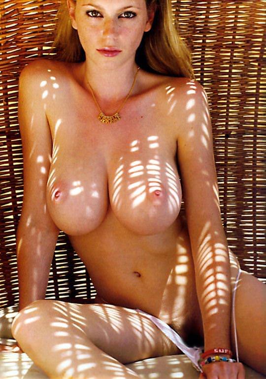 【外人】外人ならではの張りのあるメロンパイ的な爆乳おっぱいポルノ画像 1511