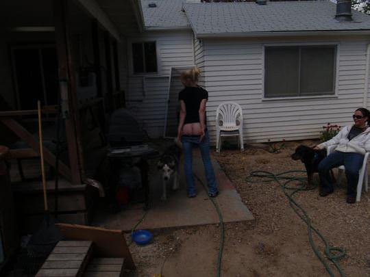 【外人】女友達と温泉入って自画撮りしたりおっぱい隠し撮りしてるポルノ画像 156