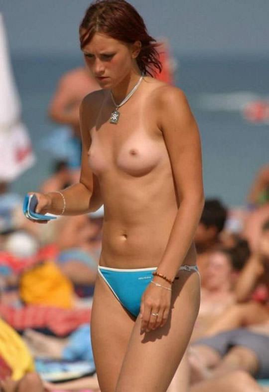【外人】フランスのヌーディストビーチで撮影された素人娘の巨乳おっぱいポルノ画像 1628