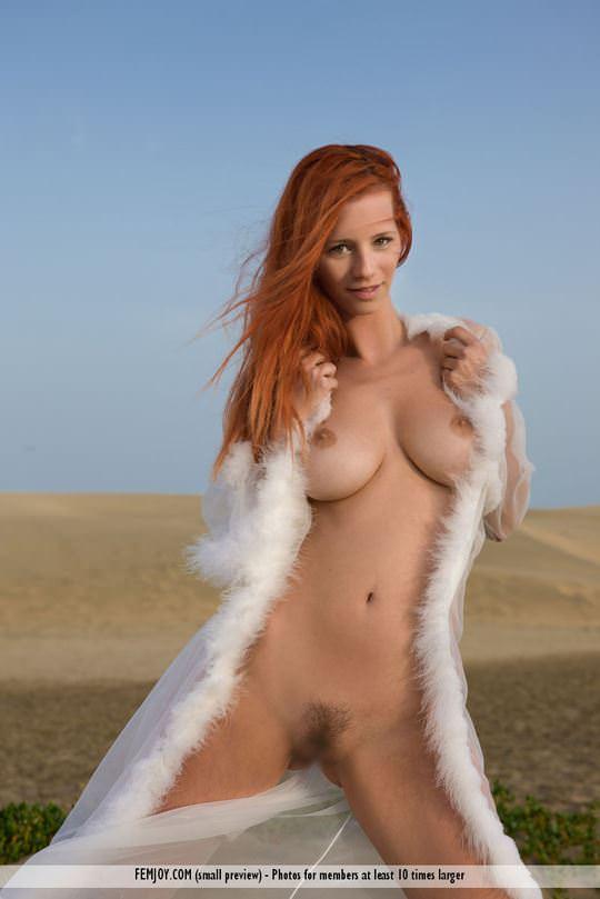 【外人】赤毛巨乳モデルのアリエル(Ariel)が友人誘っておまんこ開放ポルノ画像 1820