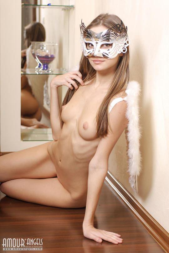【外人】可憐な19歳ロシアン美少女イリナ(Irina)のスレンダーで可愛いAカップおっぱいが魅力的なポルノ画像 1941