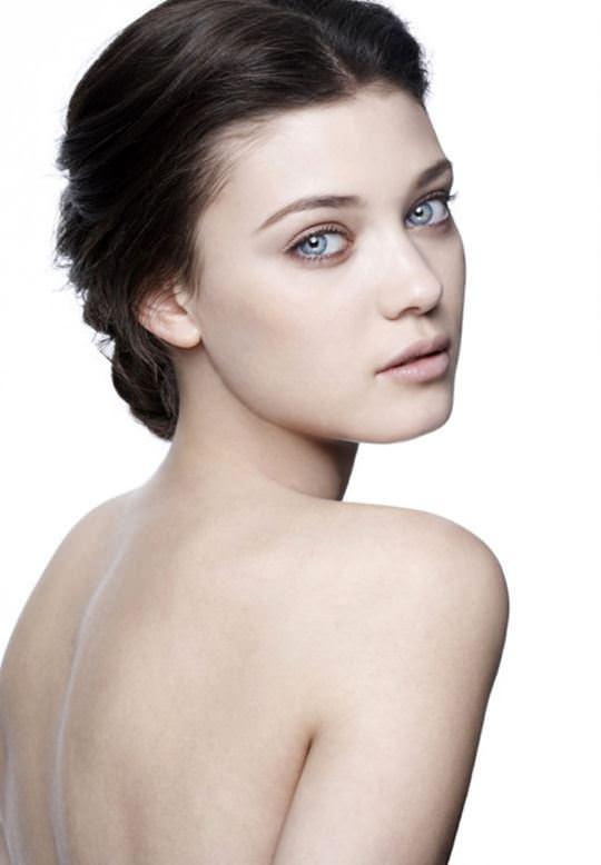 【外人】ルーマニア人スーパーモデルのダイアナ・モルドヴァン(Diana Moldovan)のシースルー美乳おっぱいが見れるポルノ画像 2101