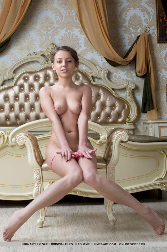【外人】男たちのおかずになる為におっぱいやおまんこを見せてくれる東欧美女のポルノ画像 2129