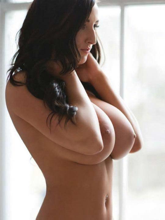 【外人】外人ならではの張りのあるメロンパイ的な爆乳おっぱいポルノ画像 2213