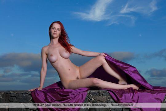 【外人】赤毛巨乳モデルのアリエル(Ariel)が友人誘っておまんこ開放ポルノ画像 2222