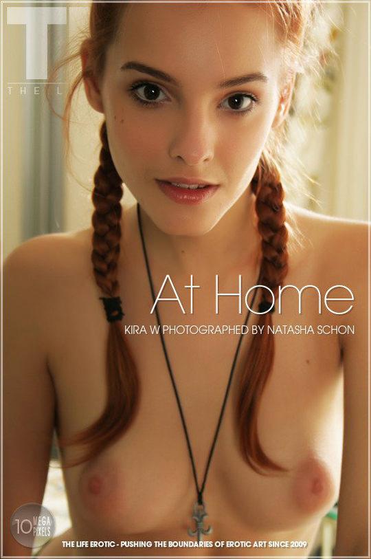 【外人】ウクライナ人19歳ソバ(Sova)が鋭く美しすぎるおっぱいヌードポルノ画像 2243