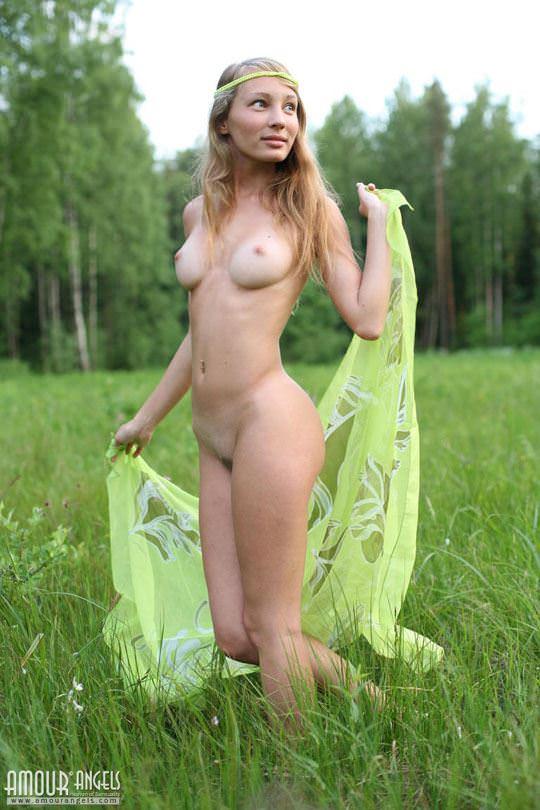 【外人】元気いっぱいな笑顔が素敵なロシアン美少女マーシャ(Masha)のヌードポルノ画像 2333