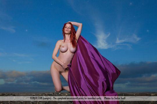 【外人】赤毛巨乳モデルのアリエル(Ariel)が友人誘っておまんこ開放ポルノ画像 2417