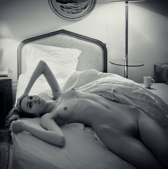 【外人】自分の魅力を引き出すためにヌードで頑張る無名ファッションモデルのポルノ画像 2538