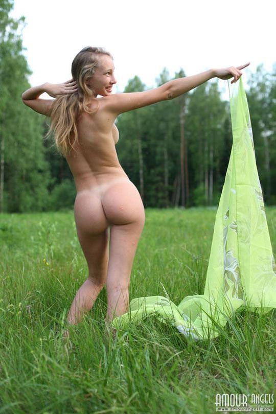 【外人】元気いっぱいな笑顔が素敵なロシアン美少女マーシャ(Masha)のヌードポルノ画像 2725