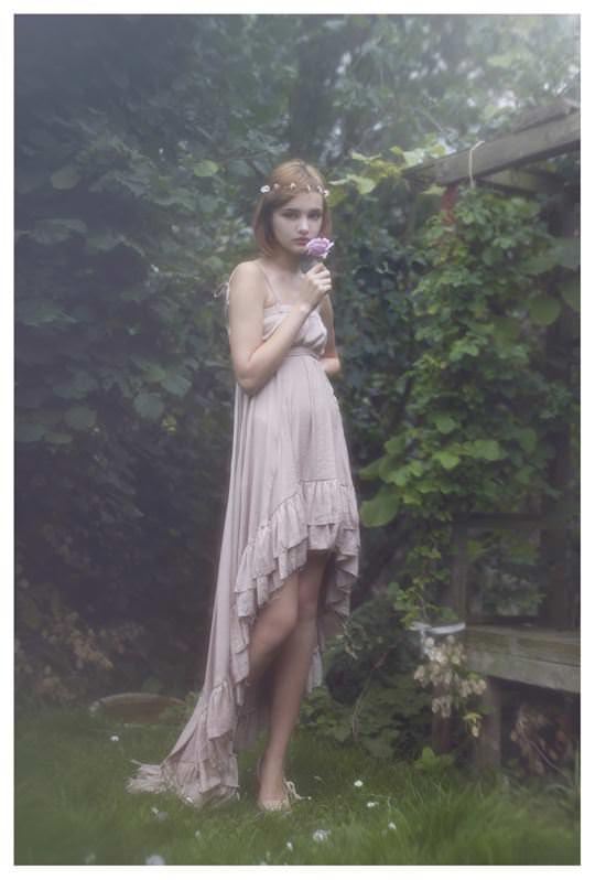 【外人】誰もが認める北欧系美女の芸術的セミヌードポルノ画像 276