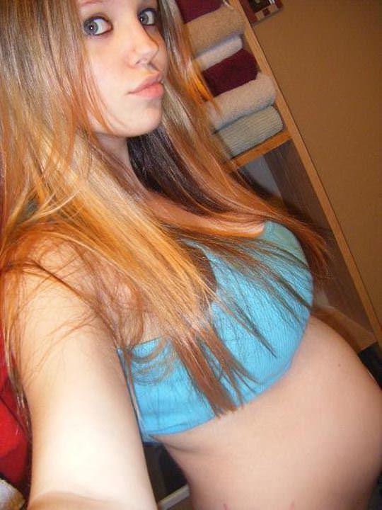 【外人】10代で妊娠してしまった若人妻たちの自画撮りお腹の素人ポルノ画像 2835