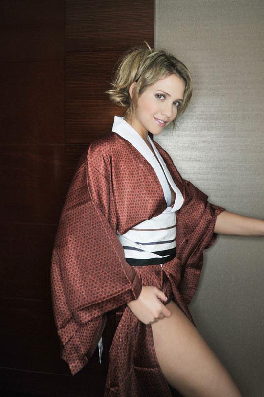 【外人】Eカップ巨乳おっぱいの金髪AV女優、ミア・楓・キャメロンが結婚引退したセックスポルノ画像 288