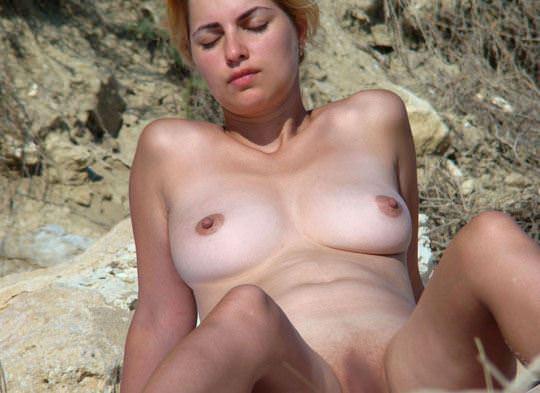 【外人】ヌーディストビーチで可愛い子ばかりのおっぱいを厳選して撮影した露出ポルノ画像 3123