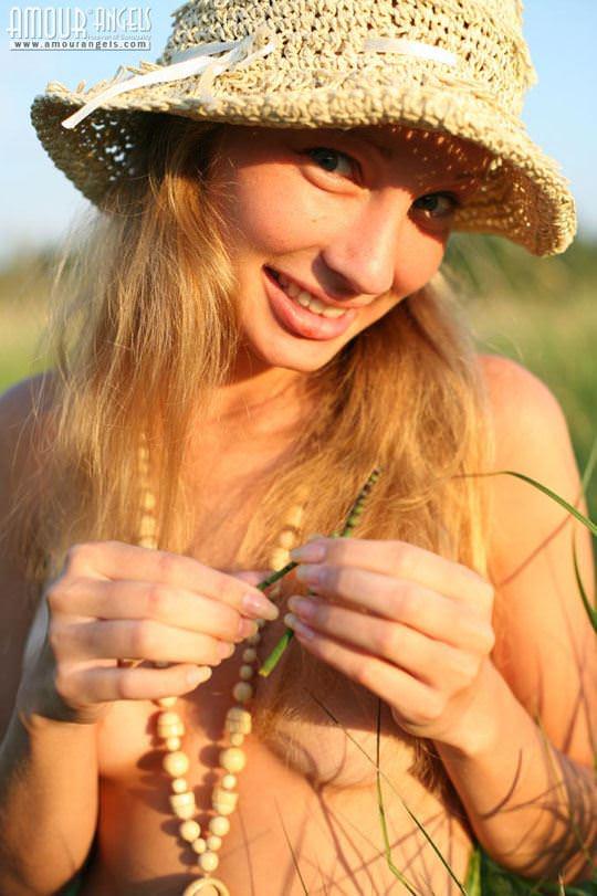 【外人】元気いっぱいな笑顔が素敵なロシアン美少女マーシャ(Masha)のヌードポルノ画像 3127