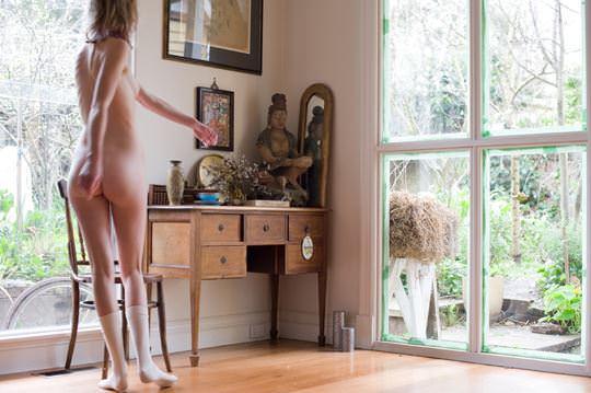 【外人】自分の魅力を引き出すためにヌードで頑張る無名ファッションモデルのポルノ画像 3155