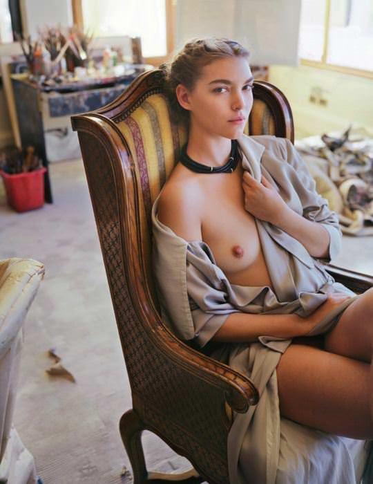 【外人】自分の魅力を引き出すためにヌードで頑張る無名ファッションモデルのポルノ画像 3156
