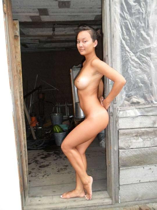 【外人】ロシア人の仲良し素人女子大生5人がサウナでパイパン記念撮影ポルノ画像 3170