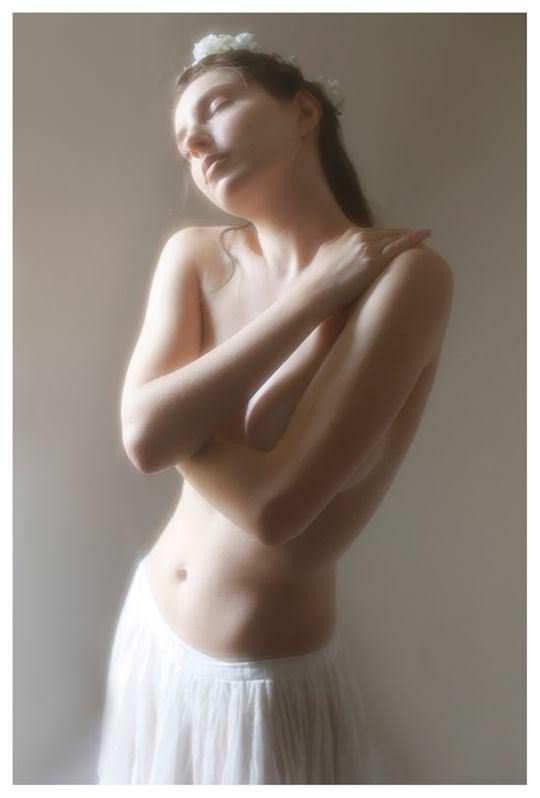 【外人】誰もが認める北欧系美女の芸術的セミヌードポルノ画像 3210